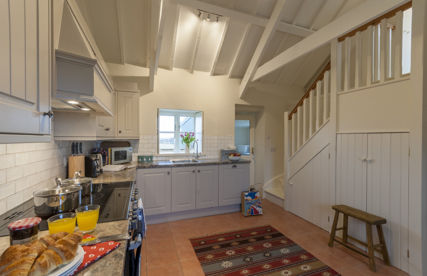 Self catering cottage near Whitesands Beach - luxury fitted kitchen