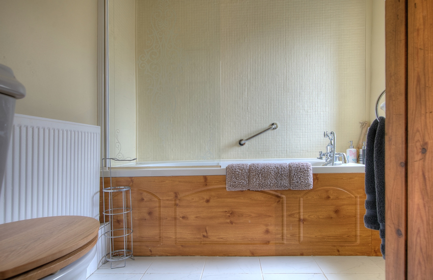 Dinas Cross Holiday cottage 3 bedrooms  - bedroom