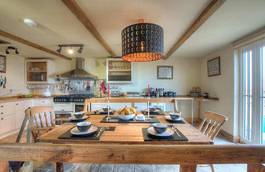 Pet friendly holiday cottage with hot tub Pembrokeshire  - kitchen