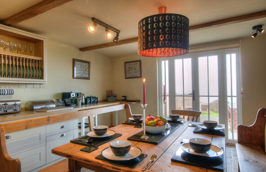 Pembrokeshire coastal cottage with hot tub - kitchen