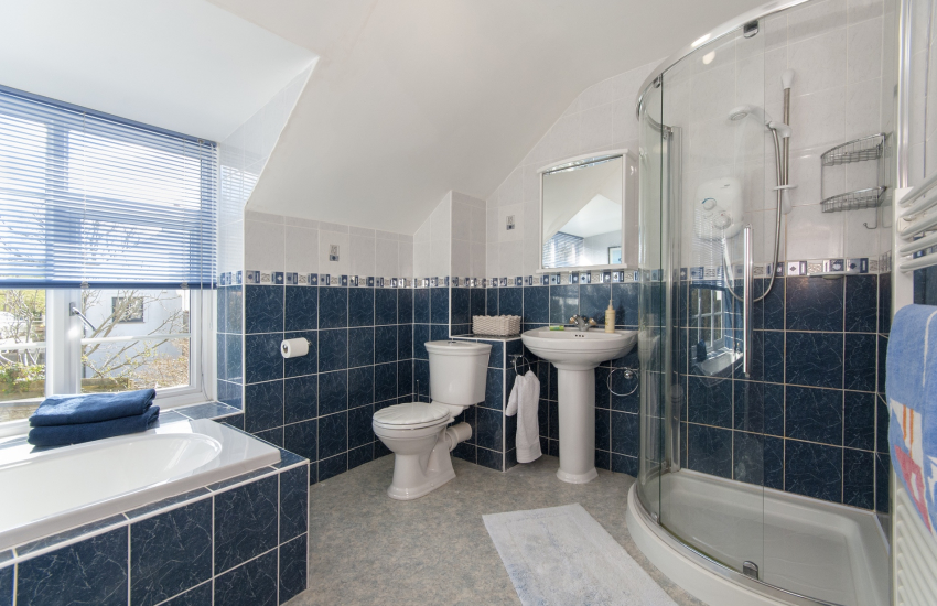 Little Haven holiday home - family bathroom with separate shower cubicle