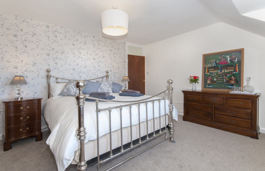 Master king size bedroom with sea views
