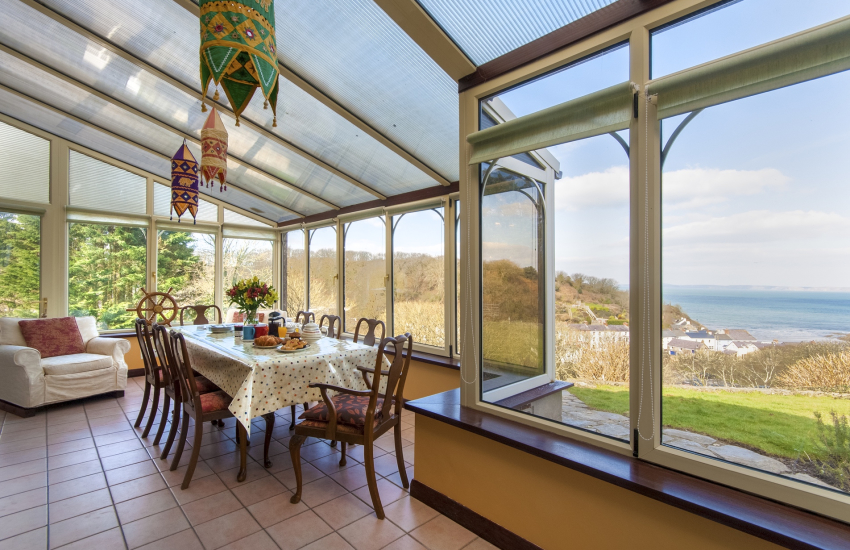 Self catering Little Haven - conservatory with sea views