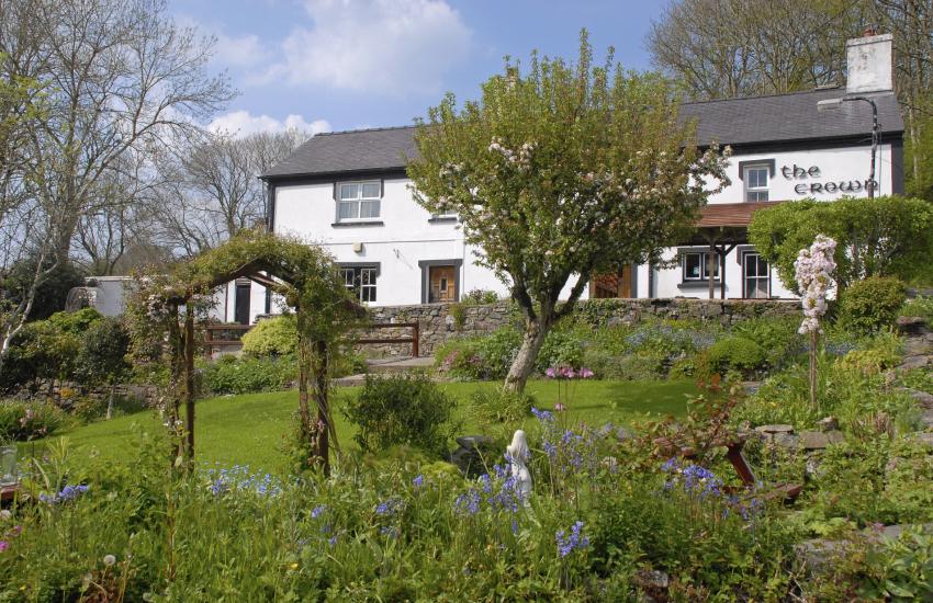The Crown Inn,Llwyndafydd - a traditional dog friendly country inn