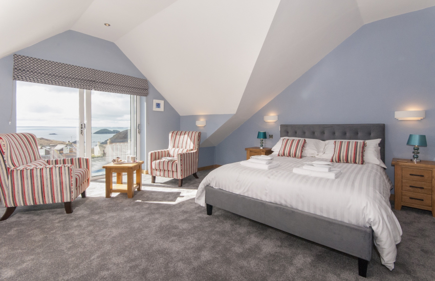 North Pembrokeshire holiday home sleeping 10 - second floor super king size bedroom with luxury 'Jack & Jill' bath/shower room