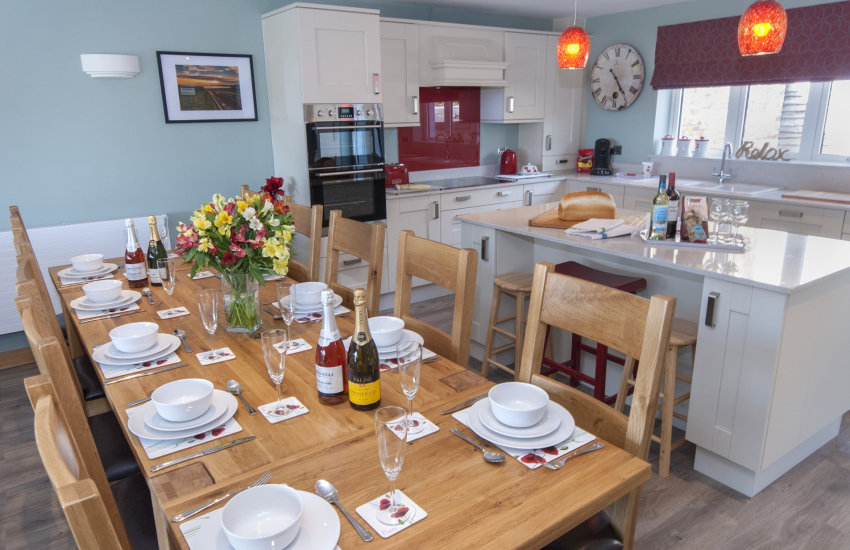Solva, North Pembrokeshire - large holiday home with spacious open plan kitchen/dining/living room