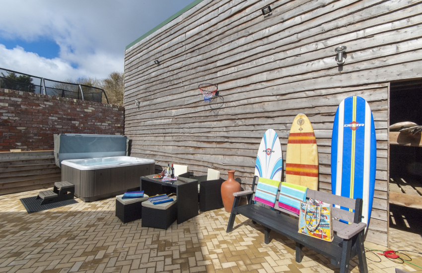 Solva holiday property with hot tub, garden furniture and rear patio - pets welcome