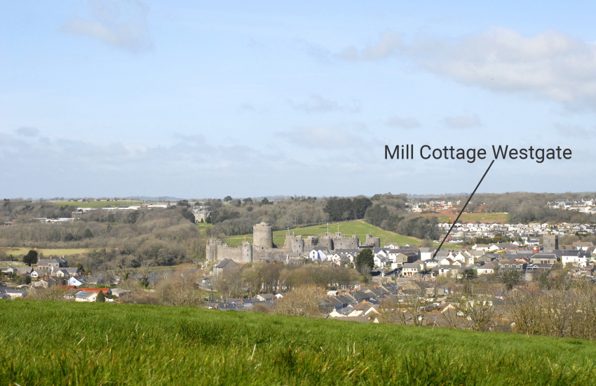 Pembroke Castle holiday cottage