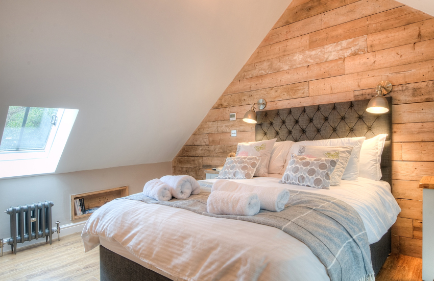 Pet friendly Anglesey holiday cottage - bedroom