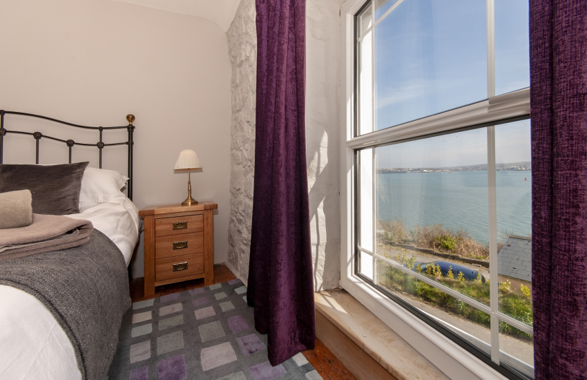 Hazelbeach holiday cottage with stunning river view