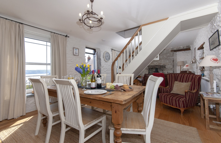 Haven Waterway Pembrokeshire holiday cottage - cosy open plan living/dining room