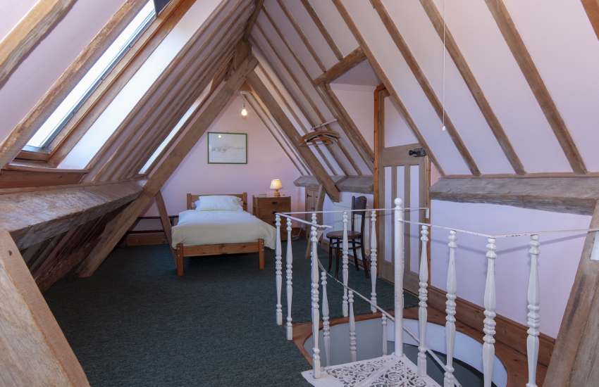 Gwaun Valley Manor House - attic bedroom (2'6