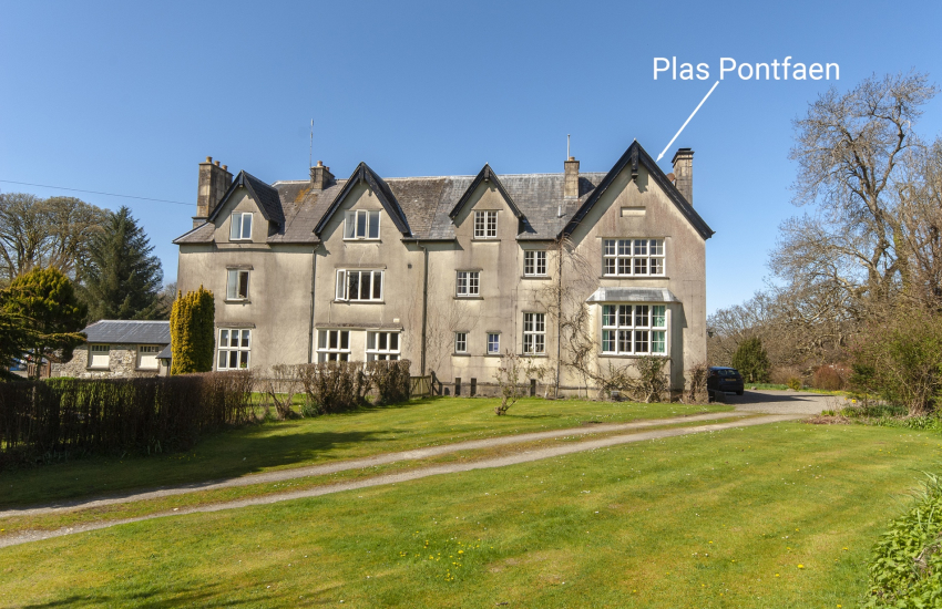 Family and Dog Friendly Gwaun Valley Manor House To Rent Near Newport Sands