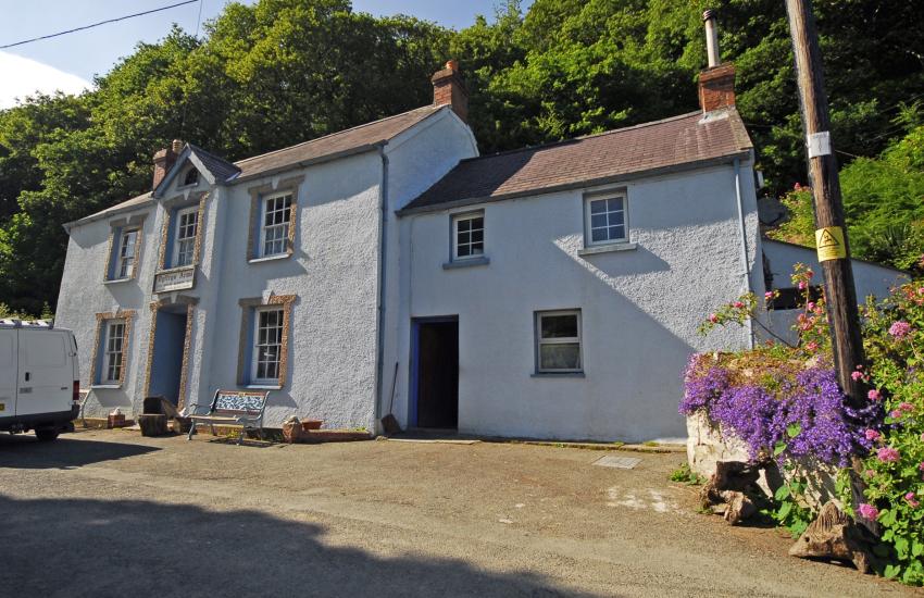 Dyffryn Arms - known locally as 'Bessies'