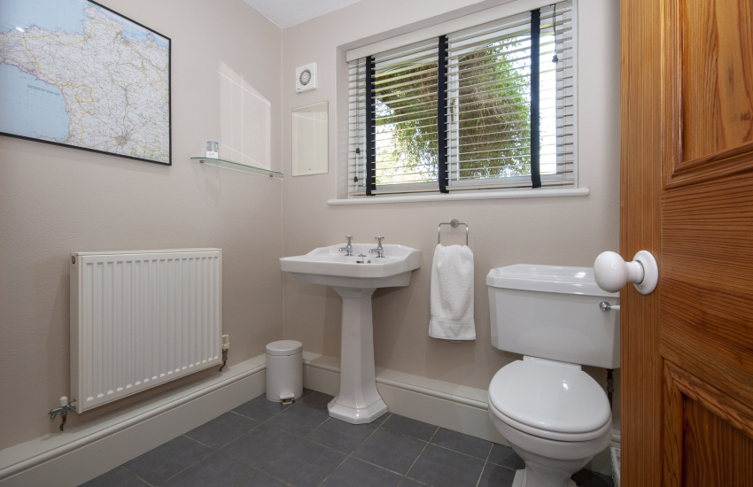 North Pembrokeshire holiday cottage with ground floor cloakroom