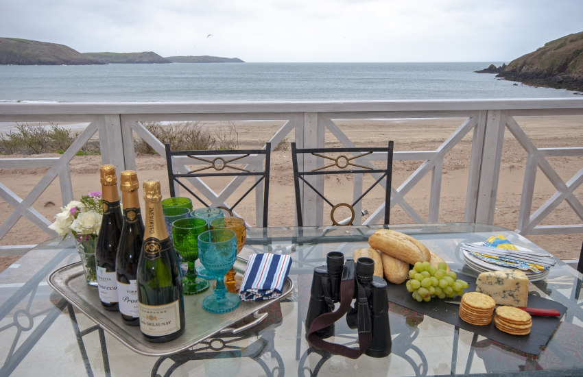 South Pembrokeshire coastal holiday house with open verandahs overlooking Freshwater Beach