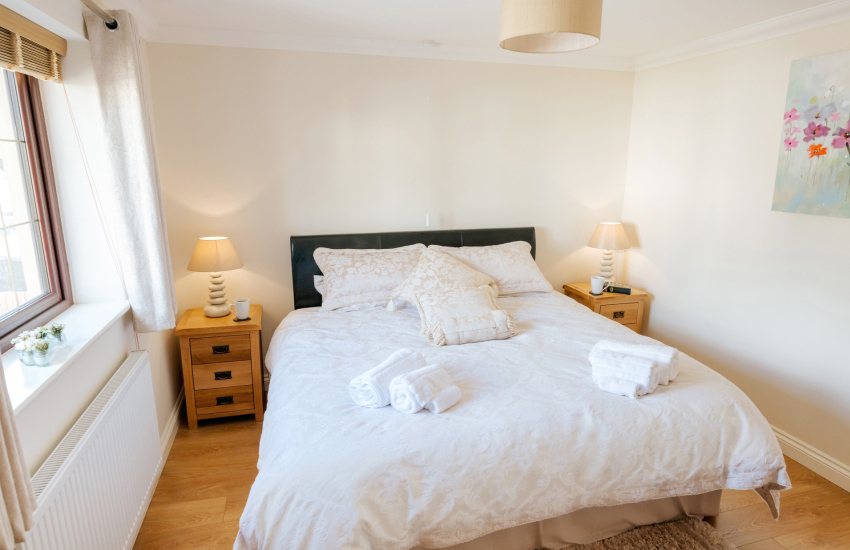 Angel Falls Neath holiday home double bedroom
