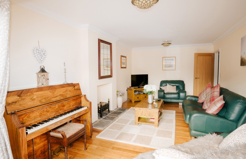 Cottage holiday sleeps 8 in the Brecon Beacons