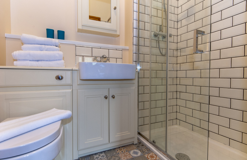 Llangennith holiday home - en-suite double shower