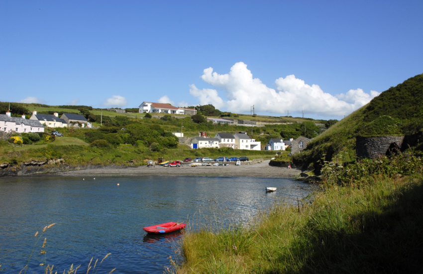 Abercastle is a popular 'locals' beach good for for swimming, diving