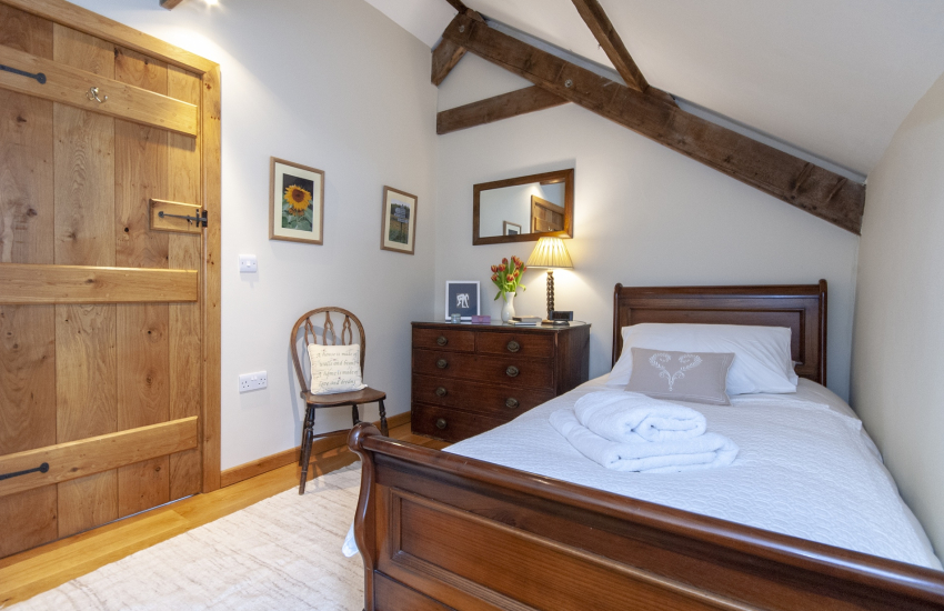 Mathry cottage sleeps 5 - cosy single bedroom