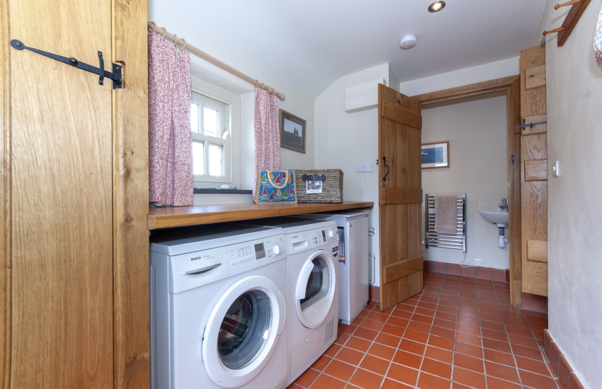 Coastal cottage Pembrokeshire - utility room with separate toilet