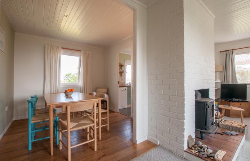 Holiday cottage sleeping 6 Aberdaron - dining