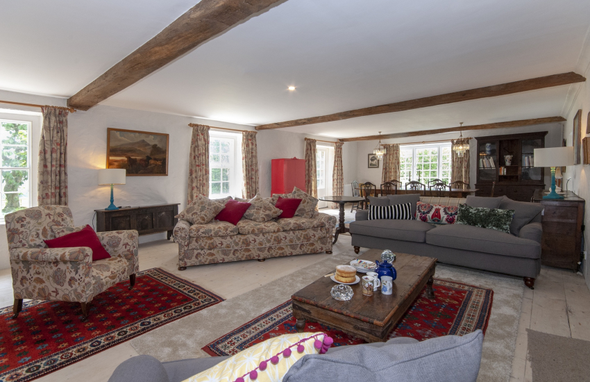 South Pembrokeshire holiday home -  spacious open plan sitting/dining room