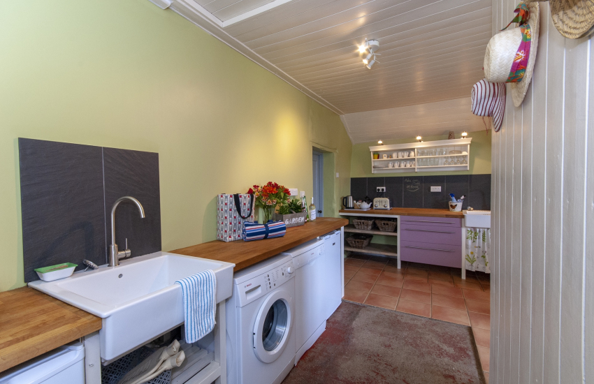 Nolton Haven holiday cottage - utility area