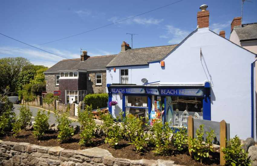 The Beach Break Tearooms serves delicious homemade food and ice creams
