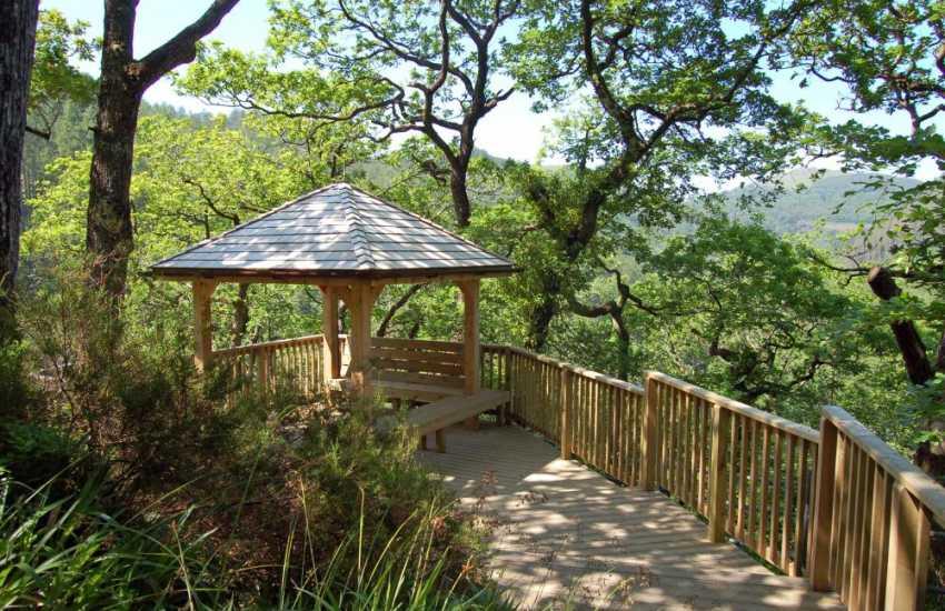 Devils Bridge foot path with incredible, breathtaking vistas
