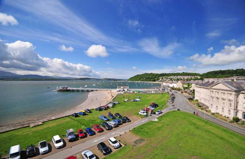 Beaumaris, a bustling town right on the seafront