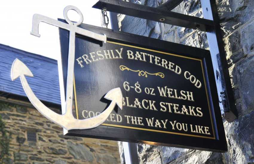 Lovely eating places on the harbour in Barmouth