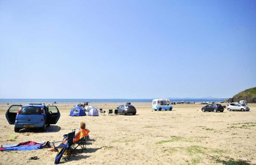 Black Rock Sands drive on beach is ideal for a picnic right by the shore