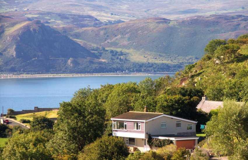 Holiday cottage North Wales with sea views - Llandudo