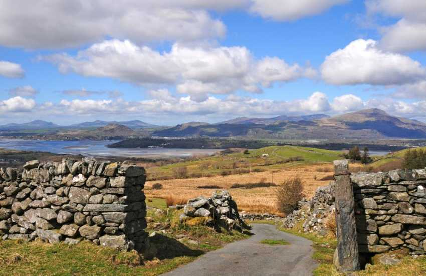 Wonderful coastal scenery and mountain landscape in Snowdonia