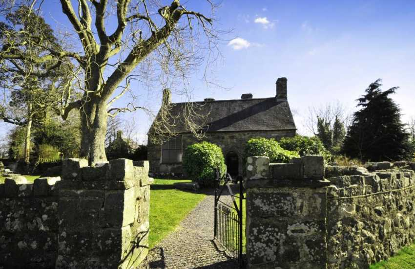 The 'Medieval House' (Pennarth Fawr) near Pwllheli is an interesting visit - step back in time and see how the Welsh upper class lived from the 14th to the mid 16th century