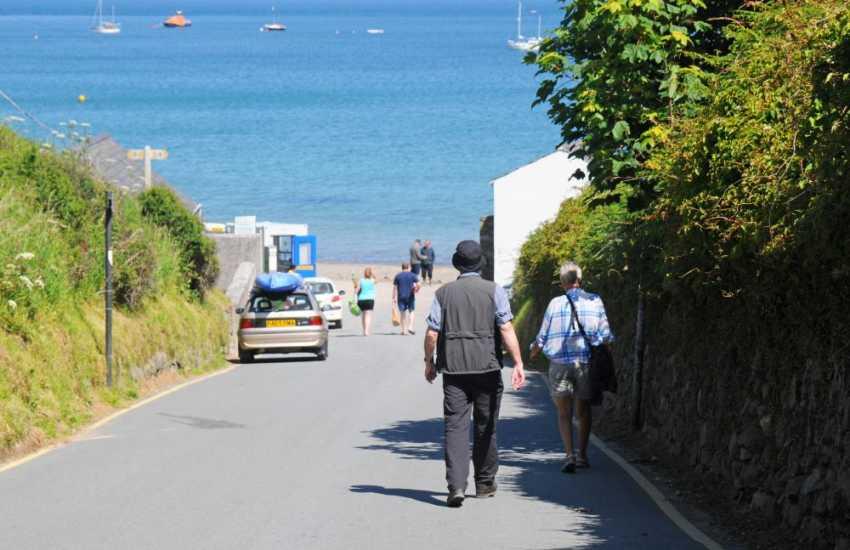 A short walk from Porthdinllaen village down to the beach (National Trust)