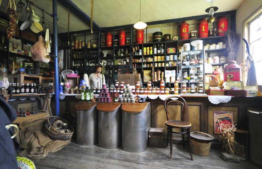 Thomas Shop museum in Penybont