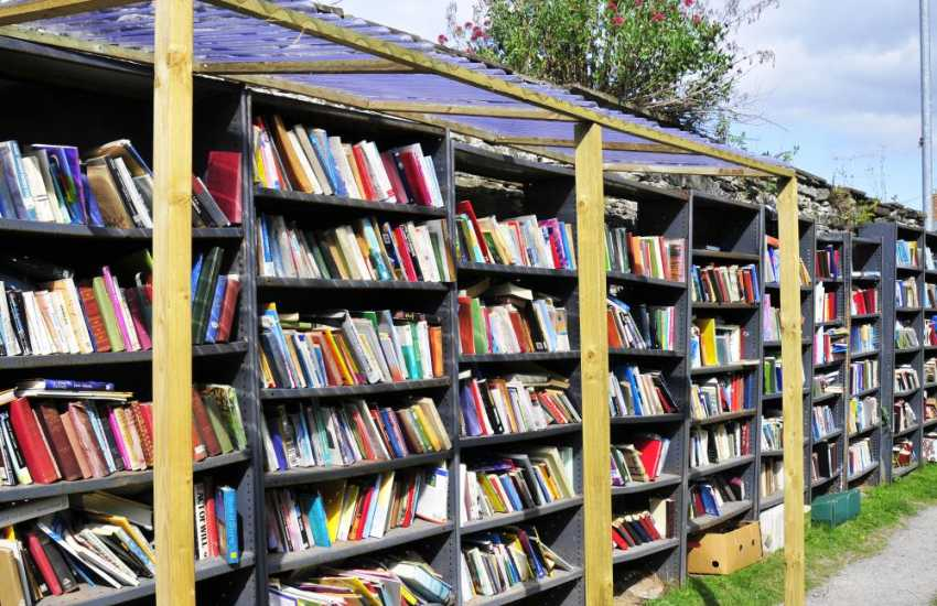 Hay on Wye Castle grounds - a great place to search for books