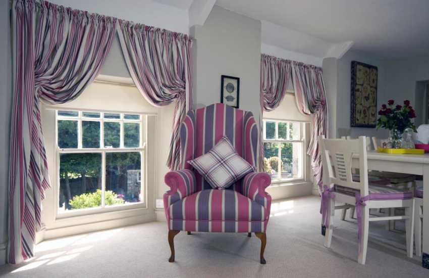 Glamorgan Heritage Coast holiday apartment with luxurious soft furnishings