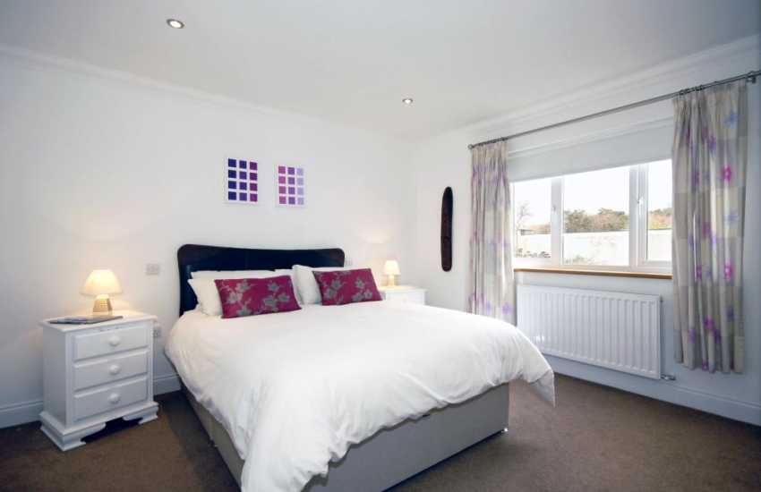 Cardigan Golf Club holiday house for rent - ground floor king size bedroom