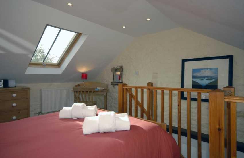 Pembrokeshire coastal retreat sleeps 2 - galleried bedroom