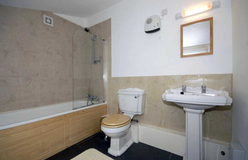Pembrokeshire Coast Path holiday cottage - bathroom