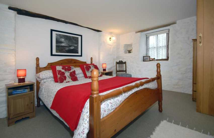 Newport holiday cottage sleeps 4 - ground floor double