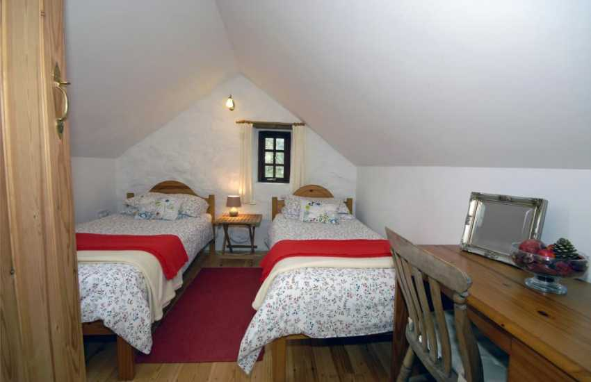 North Pembrokeshire holiday cottage sleeping 4 - first floor twin.