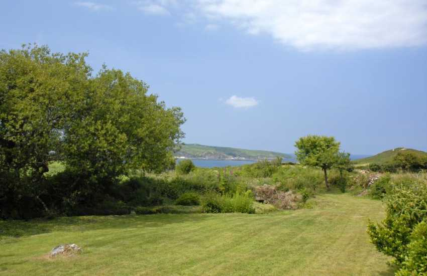 Newport Pembrokeshire coastal cottage with private gardens - pet welcome
