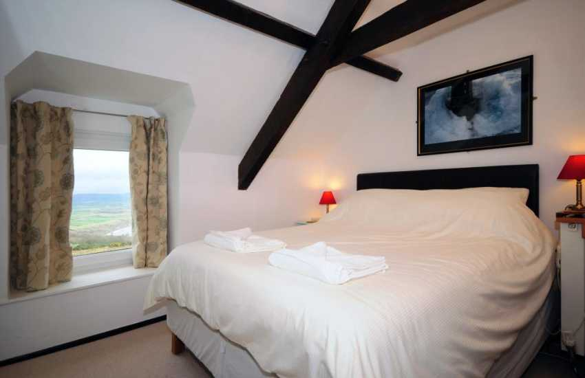 Aberdaron holiday house - bedroom