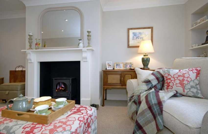 Luxury Pembrokeshire holiday home near the coast with oil burning stove