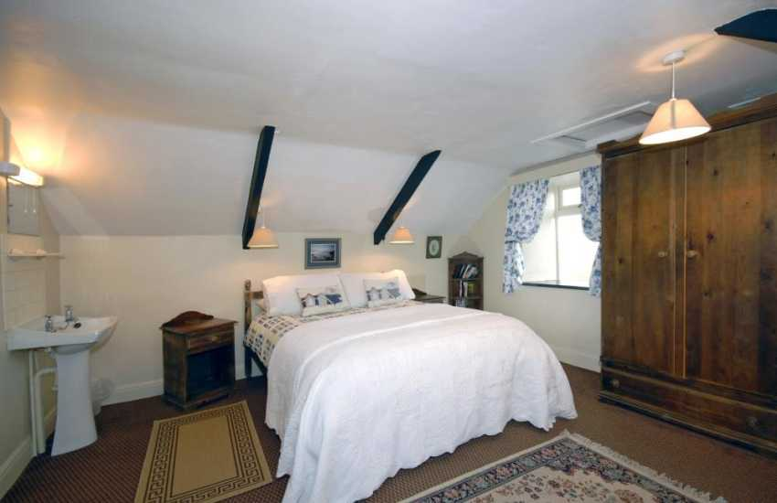 Whitesands Beach holiday cottage - double bedroom